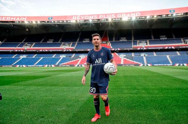 Lionel Messi resmi diperkenalkan sebagai pemain PSG.